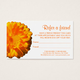 De oranje bloem verwijst een visitekaartjes