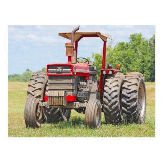 De oude Dubbele Tractor van het Wiel met een Briefkaart