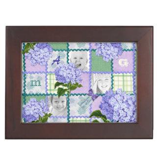 De paarse Collage van het Dekbed van de Foto van Herinneringen Doosje