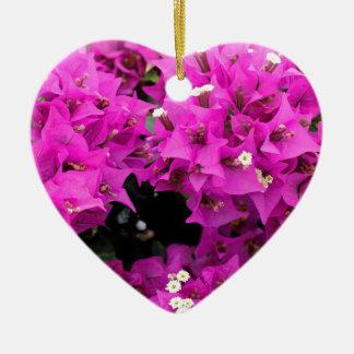 De paarse Fuchsiakleurig Achtergrond van Keramisch Hart Ornament