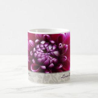 De paarse Mok van de Dahlia Fuschia