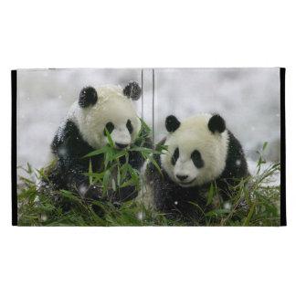De panda draagt het Universele Hoesje van het Foli