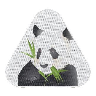 De panda draagt speaker