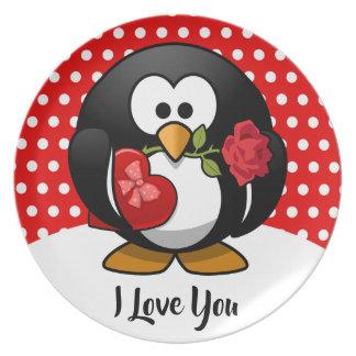 De Pinguïn van Valentijn met Chocolade en de Gift Bord