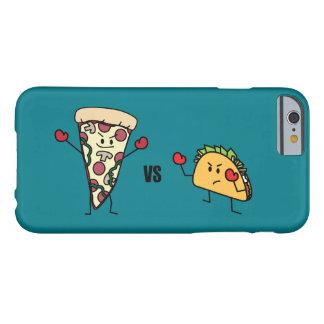 De Pizza van pepperonis VERSUS Taco: Mexicaan Barely There iPhone 6 Hoesje