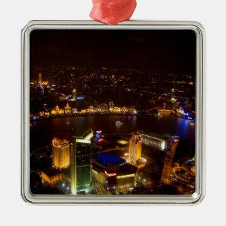 De prachtige horizon van Shanghai China met modern Zilverkleurig Vierkant Ornament