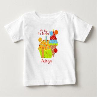De Pret van Cupcakes en van het Roomijs om Één 1st Baby T Shirts