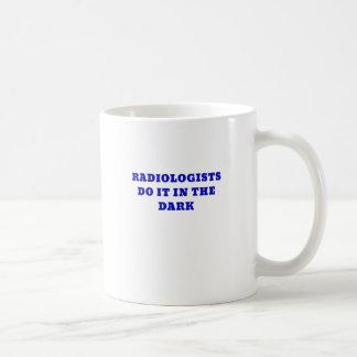 De radioloog doet het in Dark Koffiemok