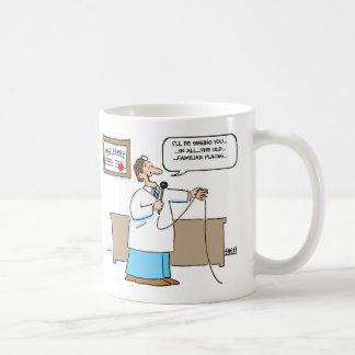 De radioloog zingt de Cartoon van de Karaoke Koffiemok