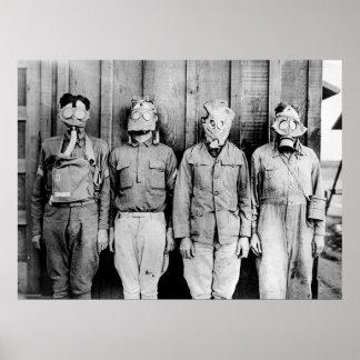 De Reis van de wereld van Gasmaskers Poster