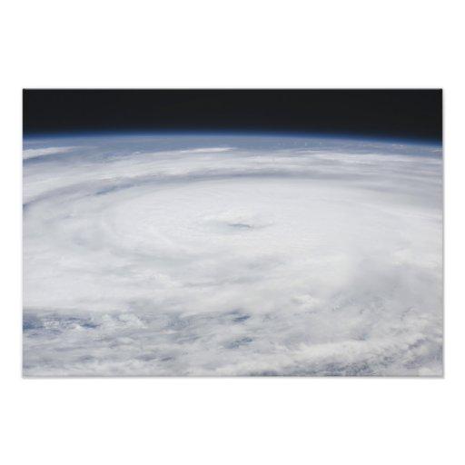 De Rekening van de orkaan in de Atlantische Oceaan Fotoafdrukken