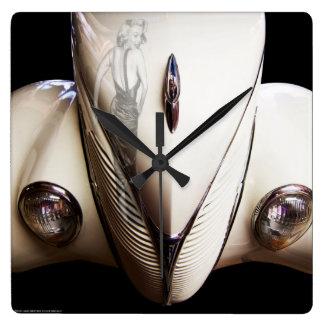 De Rit van Marilyn Vierkante Klok