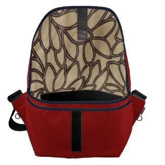 De Rode Druk van de schuur binnen Messenger Bag