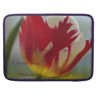 De rode Gift van het Moederdag van de Tulp MacBook Pro Sleeves
