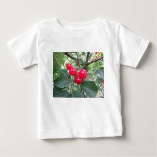 De rode kersen van Montmorency op boom in Baby T Shirts