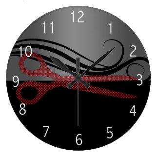 De rode modieuze klok van de haarsalon