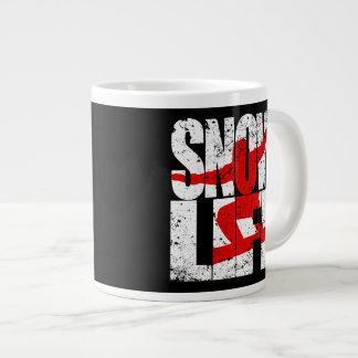 De rode pensionair van het LEVEN van de SNEEUW Grote Koffiekop