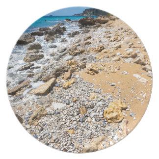 De rotsachtige kust Kefalonia Griekenland van het Borden