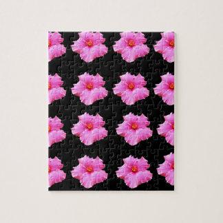 De roze Bloemen van de Hibiscus op Zwarte, _ Puzzel