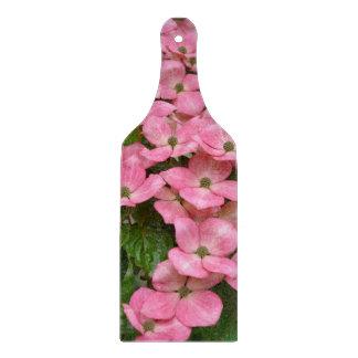 De roze bloemen van de kousakornoelje snijplank