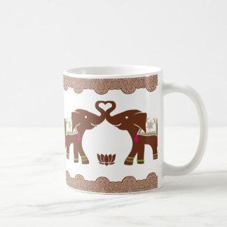 De roze Dubbele Olifanten van het Hart Koffiemok