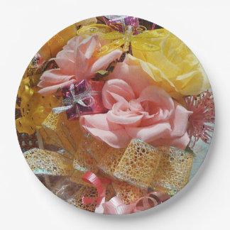 De Roze Rozen van de lente & de Gele Borden van Papieren Bordje