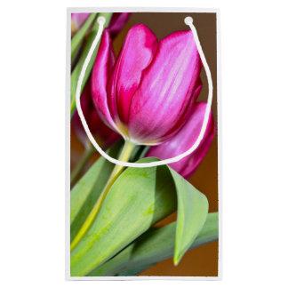 De roze Zak van de Gift van de Tulp Klein Cadeauzakje
