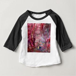 De rozen groeien met liefde baby t shirts