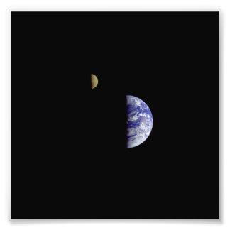 De RuimteFoto van Galileo van de Maan van de aarde Fotoprints