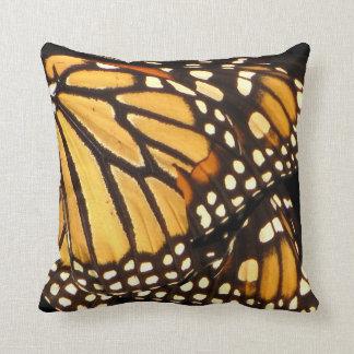 De Samenvatting van de Vlinder van de monarch Sierkussen