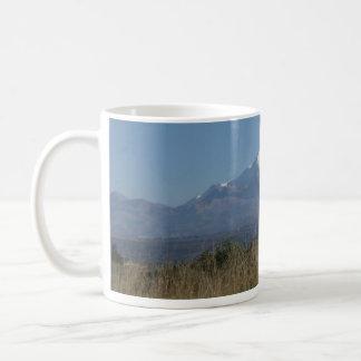 De Scène van de Berg van de sneeuw Koffiemok