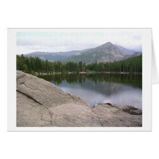 De Scène van het meer bij het Rotsachtige Briefkaarten 0