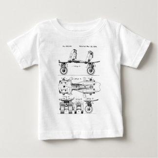 De schaatsende V.S. Baby T Shirts