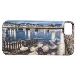 De schaduwen van zwanen bij het meer van Genève, Barely There iPhone 5 Hoesje