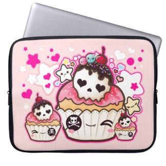 De schedel van Kawaii cupcake met sterren en harte Computer Sleeve