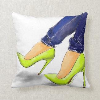 De schoenen van het neon die u hebt vereist sierkussen