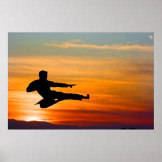 De schop van de karate bij zonsopgang, poster