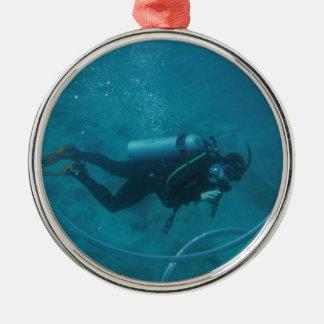 De scuba-duiker van Hawaï Zilverkleurig Rond Ornament