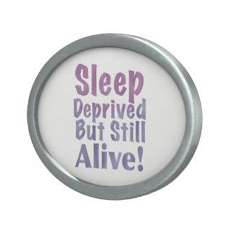 De slaap beroofde maar nog Levend in Slaperige Gesp
