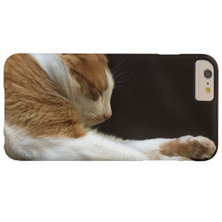De slaap van de kat op bank barely there iPhone 6 plus hoesje