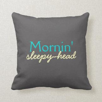 De Slaapkop van Mornin - Blauwgroen en Geel op Sierkussen