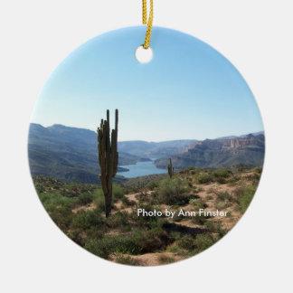 De Sleep Saguaro van Apache Rond Keramisch Ornament