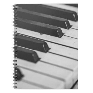 De sleutelsnotitieboekje van de piano ringband notitie boeken