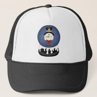 De sneeuwwereldbol van de sneeuwman trucker pet