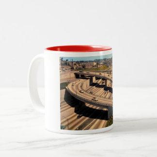 De Snelweg van de haven, Los Angeles, Wijnoogst Tweekleurige Koffiemok