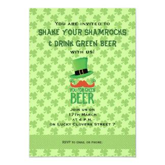 De Snor van de gember u voor groen bier met 12,7x17,8 Uitnodiging Kaart