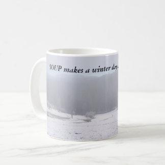 De SOEP maakt tot een de winterdag een weinig Koffiemok