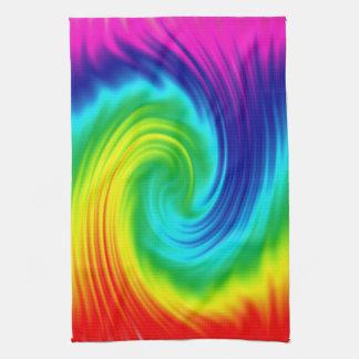 De spiraal van de regenboog theedoek