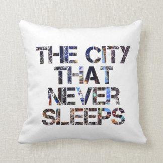 """De """"stad dat de slaap"""" nooit hoofdkussen werpt sierkussen"""