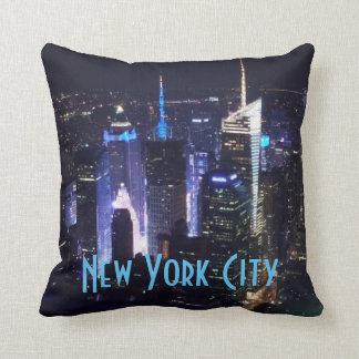 De Stad van New York bij Nacht Sierkussen